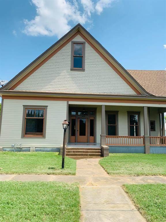 1409 E Leon, Gatesville, TX 76528 (MLS #14515077) :: Team Tiller