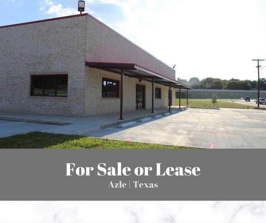 1605 Southeast Parkway - Photo 1