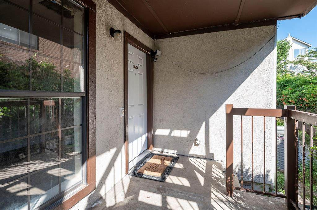 3314 Douglas Avenue - Photo 1