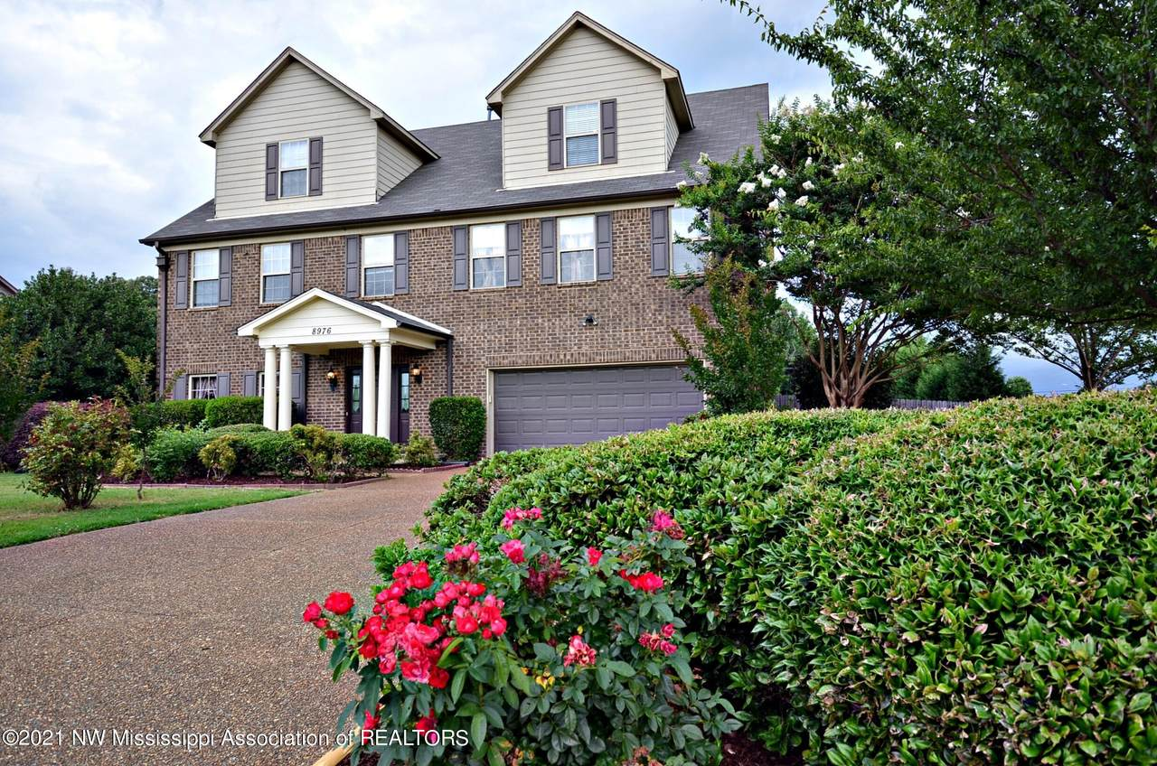 8976 Courtly Circle - Photo 1