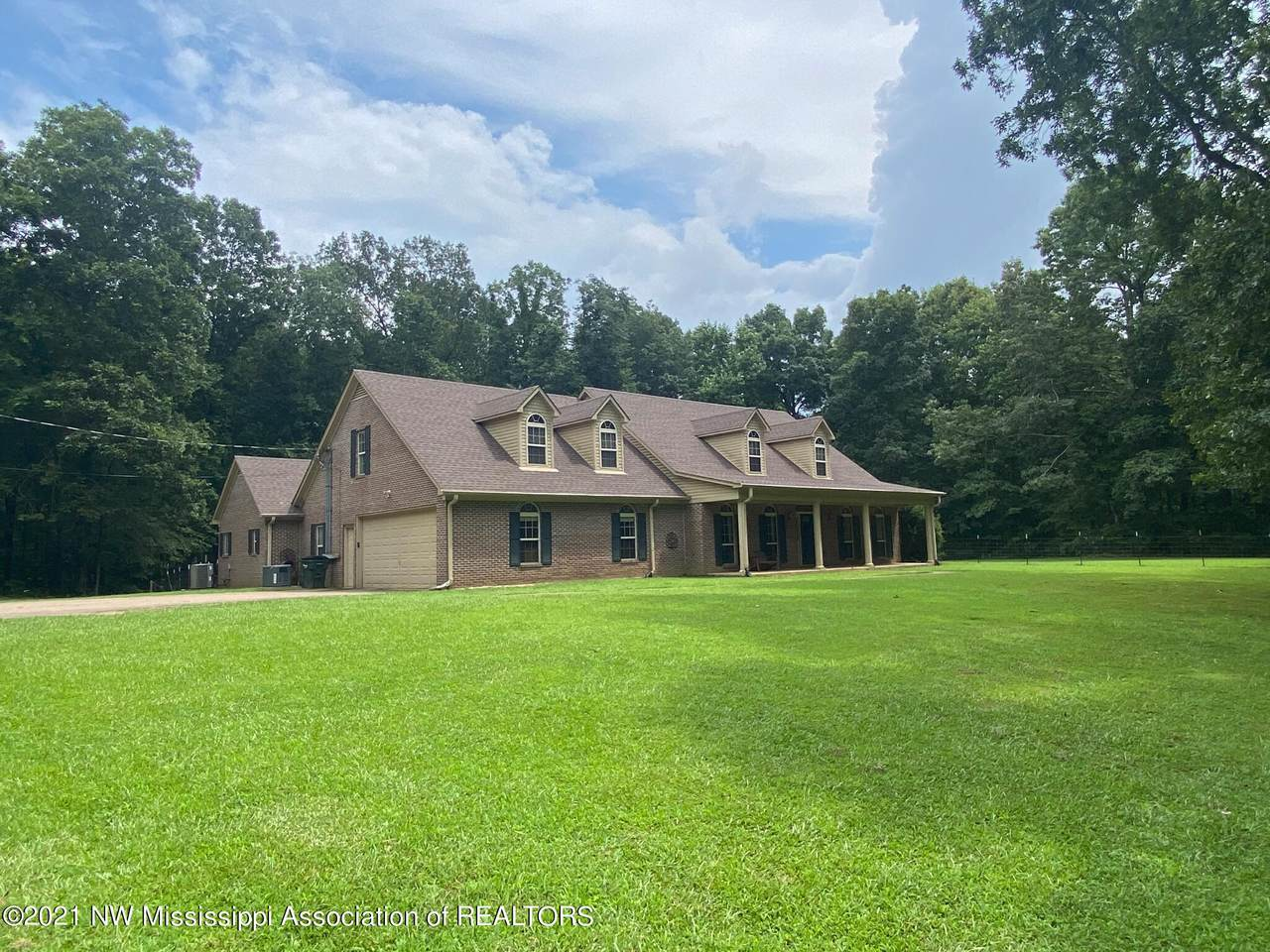 370 Barry Road - Photo 1