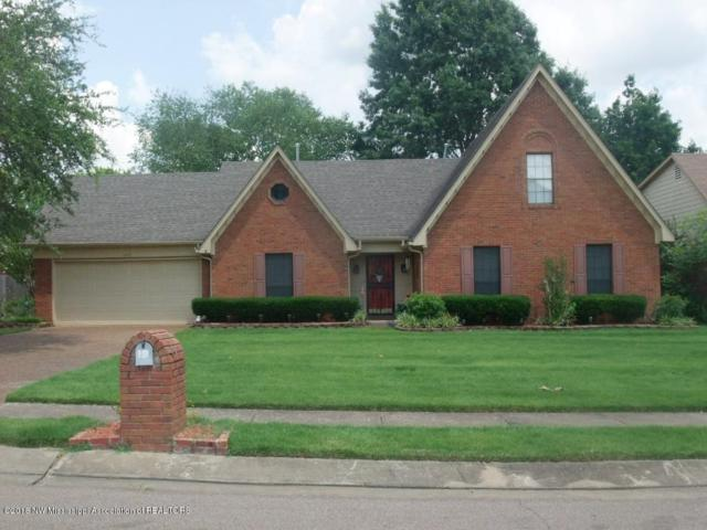 5956 E White Ridge Circle, Olive Branch, MS 38654 (#317142) :: Berkshire Hathaway HomeServices Taliesyn Realty