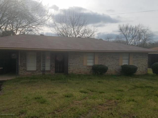 124 Weaver Drive, Holly Springs, MS 38635 (MLS #322187) :: Gowen Property Group | Keller Williams Realty