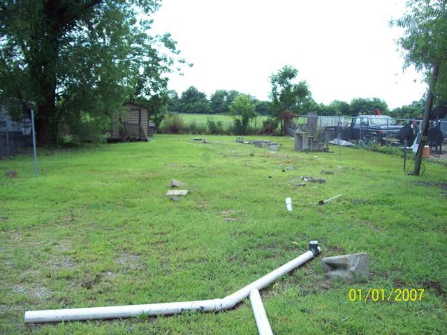 1142 W Street, Tunica, MS 38676 (#323528) :: Berkshire Hathaway HomeServices Taliesyn Realty