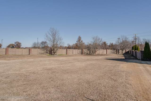 6118 E Fleur De Lis, Olive Branch, MS 38654 (MLS #326647) :: The Live Love Desoto Group
