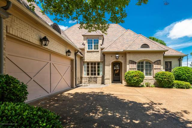 4896 N Fleur De Lis, Olive Branch, MS 38654 (MLS #329513) :: The Live Love Desoto Group
