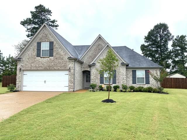410 Robin Cove, Senatobia, MS 38668 (MLS #331604) :: The Home Gurus, Keller Williams Realty