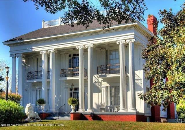 301 N Meridian Street, Aberdeen, MS 39730 (MLS #332254) :: The Home Gurus, Keller Williams Realty