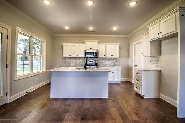 4057 Vineyard Drive, Southaven, MS 38672 (MLS #332498) :: The Home Gurus, Keller Williams Realty