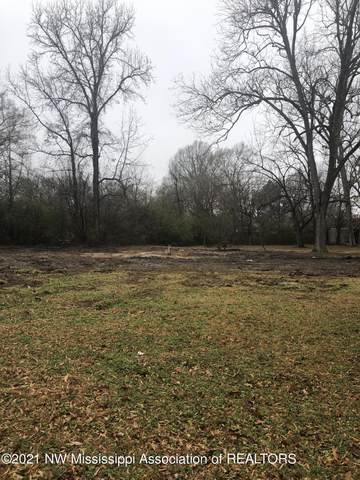 4261 S Hwy 51, Senatobia, MS 38668 (MLS #333576) :: The Live Love Desoto Group