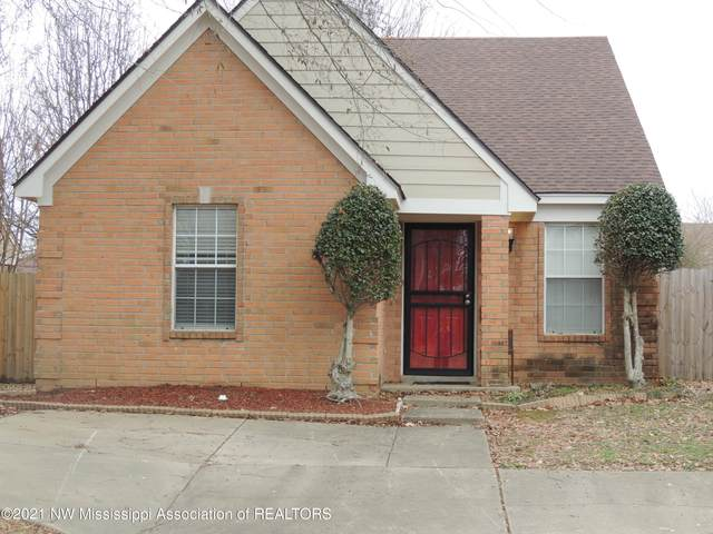10242 Fox Hunt Drive, Olive Branch, MS 38654 (MLS #334110) :: The Live Love Desoto Group
