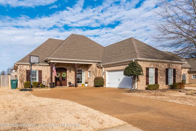 2896 Summer Oaks Place, Southaven, MS 38672 (MLS #334113) :: The Live Love Desoto Group