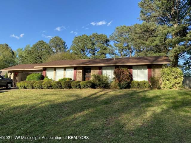 1250 N Thunderbird Drive, Hernando, MS 38632 (MLS #334978) :: Gowen Property Group | Keller Williams Realty