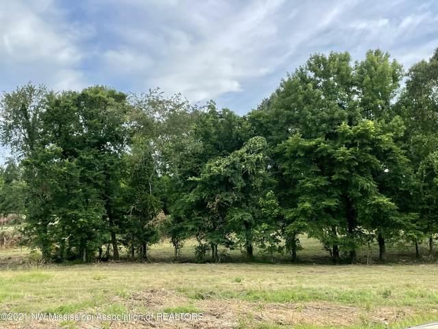 4 Ranch Road, Hernando, MS 38632 (MLS #336094) :: The Home Gurus, Keller Williams Realty