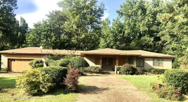 220 Rolfing Road, Holly Springs, MS 38635 (MLS #336820) :: The Live Love Desoto Group