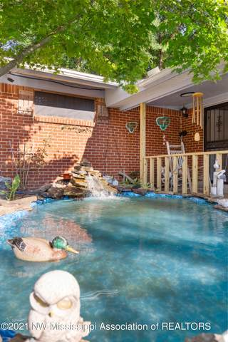 1405 Town And Country Drive, Southaven, MS 38671 (MLS #337630) :: The Home Gurus, Keller Williams Realty