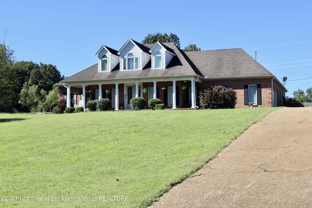 114 Old Lake Cove Cove, Batesville, MS 38606 (MLS #337995) :: The Home Gurus, Keller Williams Realty