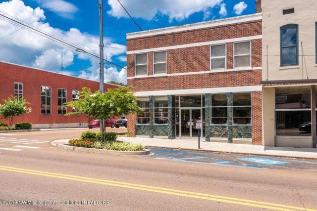 221 W Main Street, Senatobia, MS 38668 (#311584) :: Berkshire Hathaway HomeServices Taliesyn Realty