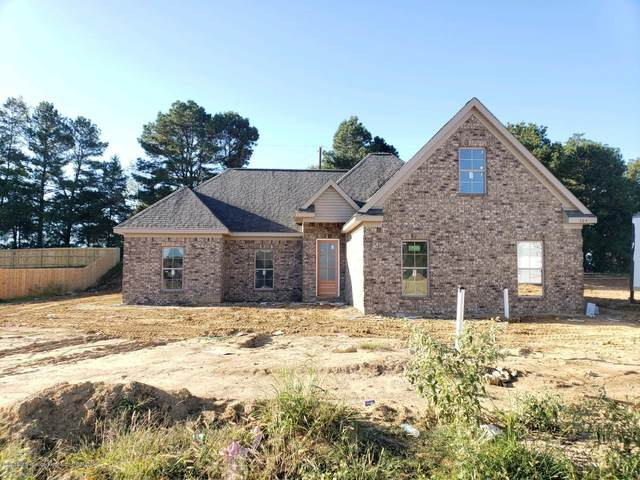 306 Eagle View Drive, Senatobia, MS 38668 (MLS #331540) :: Gowen Property Group | Keller Williams Realty