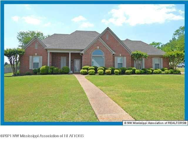 4949 Bobo Place, Olive Branch, MS 38654 (MLS #335443) :: The Live Love Desoto Group