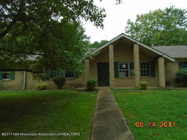 8347 Bridgewood, Southaven, MS 38671 (#311889) :: Berkshire Hathaway HomeServices Taliesyn Realty