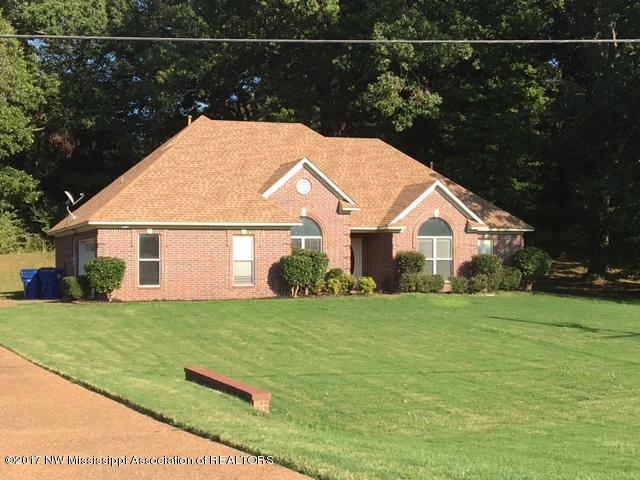 7910 Holly Ridge Drive, Horn Lake, MS 38637 (#312540) :: Eagle Lane Realty