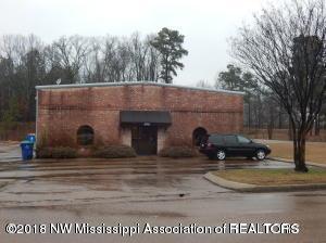 496 Whitfield, Hernando, MS 38632 (MLS #315782) :: The Home Gurus, PLLC of Keller Williams Realty