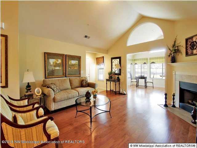 8774 Parkview Oaks Circle #48, Olive Branch, MS 38654 (#316037) :: JASCO Realtors®