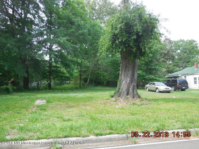 318 E Gilmore Street, Senatobia, MS 38668 (#316532) :: JASCO Realtors®