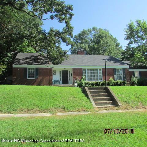 340 W Chulahoma Avenue, Holly Springs, MS 38635 (MLS #317509) :: Signature Realty
