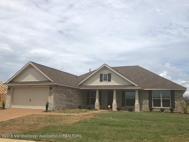 2610 Madeline Lane, Southaven, MS 38672 (#318298) :: Berkshire Hathaway HomeServices Taliesyn Realty