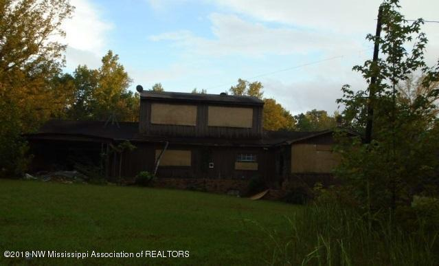 13 County Road, Como, MS 38619 (#319535) :: JASCO Realtors®