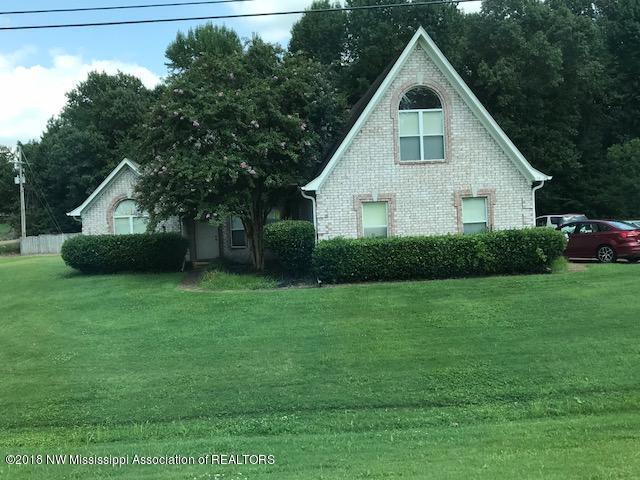 7960 Holly Ridge Drive, Horn Lake, MS 38637 (MLS #320448) :: Signature Realty