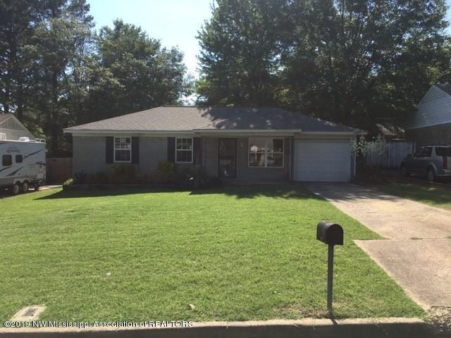 8217 Ashbrook Drive, Southaven, MS 38671 (#323003) :: Berkshire Hathaway HomeServices Taliesyn Realty