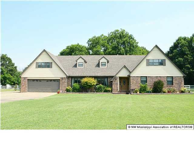 4340 Faye Drive, Olive Branch, MS 38654 (MLS #323460) :: Gowen Property Group | Keller Williams Realty