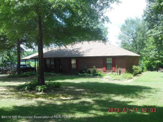 2301 Hubbard Road, Courtland, MS 38620 (#323998) :: Berkshire Hathaway HomeServices Taliesyn Realty