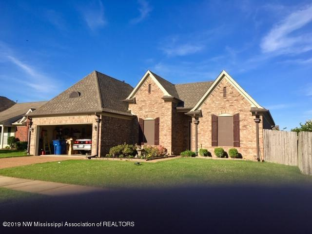 4182 Becky Sue Trail, Olive Branch, MS 38654 (#324017) :: Berkshire Hathaway HomeServices Taliesyn Realty