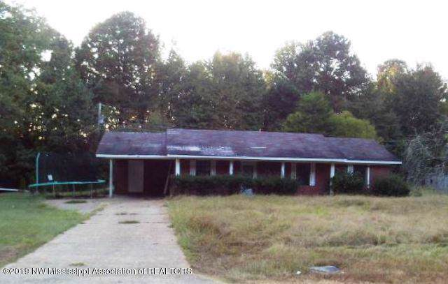 1504 Hwy 4 E, Holly Springs, MS 38635 (MLS #325747) :: Signature Realty