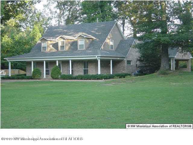 6177 Nesbit Road, Lake Cormorant, MS 38641 (MLS #326552) :: Gowen Property Group | Keller Williams Realty