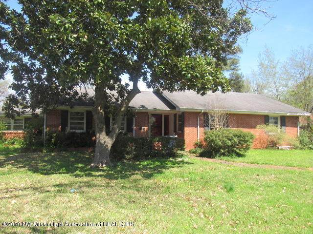 947 Maple Avenue, Clarksdale, MS 38614 (MLS #328532) :: The Live Love Desoto Group