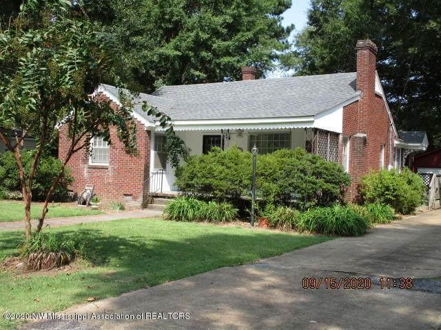 218 Bowden, Senatobia, MS 38668 (MLS #331504) :: The Home Gurus, Keller Williams Realty