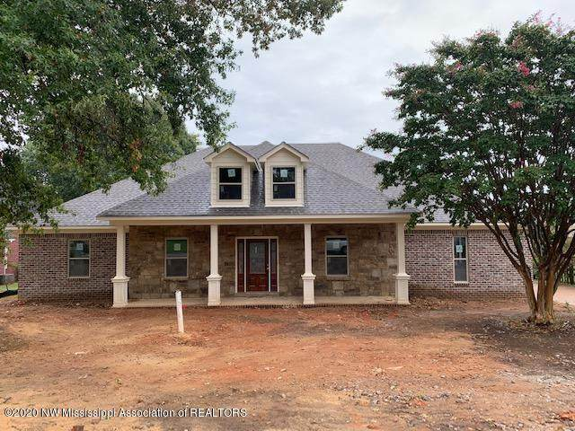 8172 Longwood Drive, Olive Branch, MS 38654 (MLS #331683) :: The Live Love Desoto Group