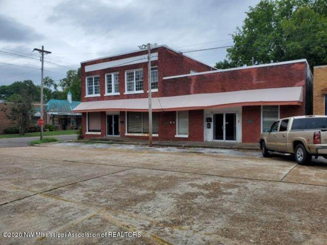 170 S Center Street, Holly Springs, MS 38635 (MLS #332044) :: The Live Love Desoto Group