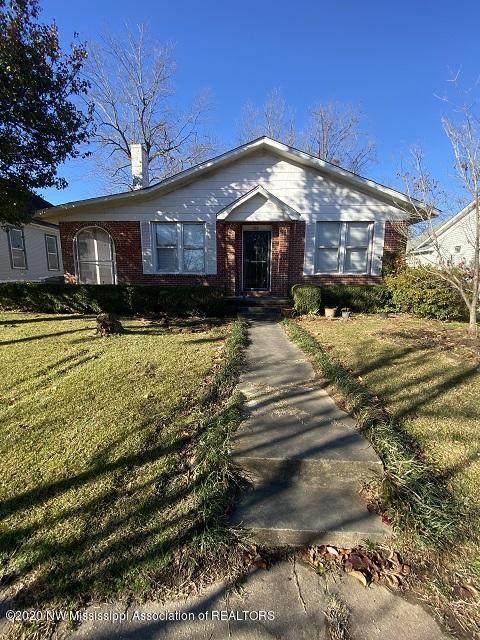 180 N Walthall Street, Holly Springs, MS 38635 (MLS #332891) :: Gowen Property Group   Keller Williams Realty