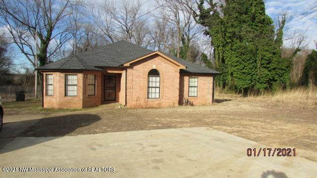 230 W College Avenue, Holly Springs, MS 38635 (MLS #333475) :: The Live Love Desoto Group