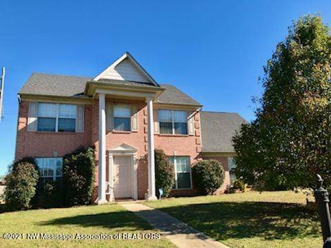 124 Oakleigh Drive, Batesville, MS 38606 (MLS #334084) :: The Live Love Desoto Group