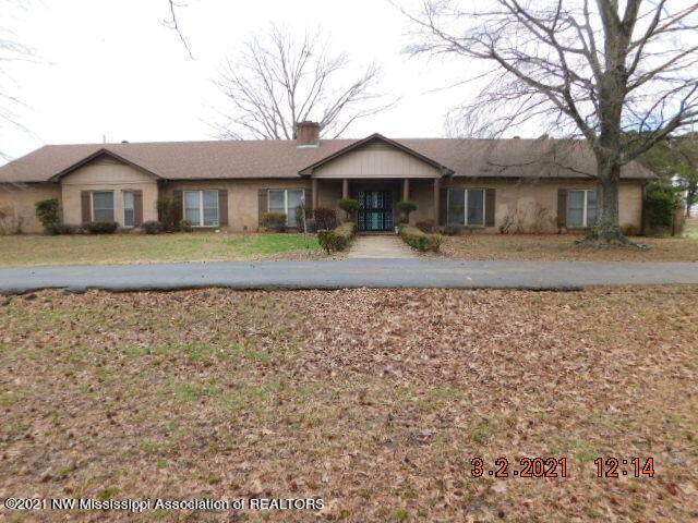 8477 W Highway 4, Senatobia, MS 38668 (MLS #334117) :: The Live Love Desoto Group