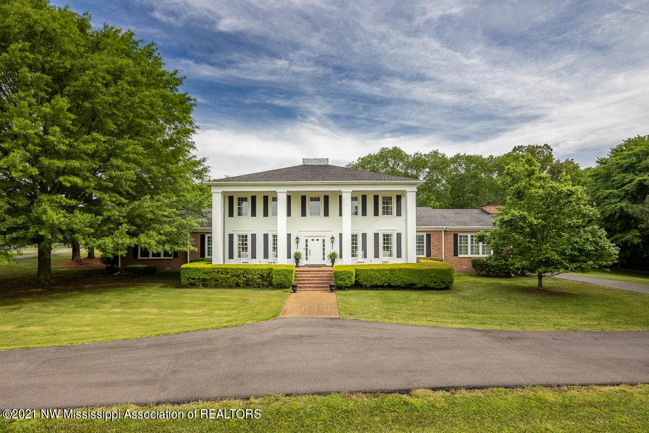 323 Country Club Road - Photo 1