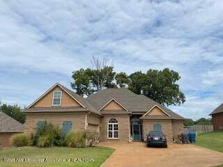 1206 S Heritage Drive, Hernando, MS 38632 (MLS #337826) :: Gowen Property Group | Keller Williams Realty