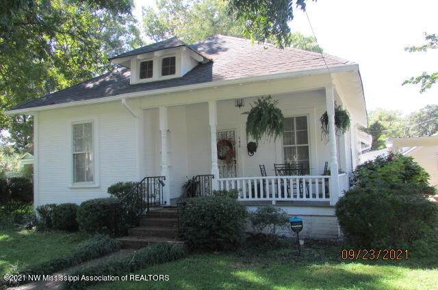 190 S Market Street, Holly Springs, MS 38635 (MLS #337954) :: Signature Realty